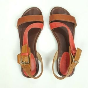 Breckelles Sandals Size 7 Two Tone Faux Leather